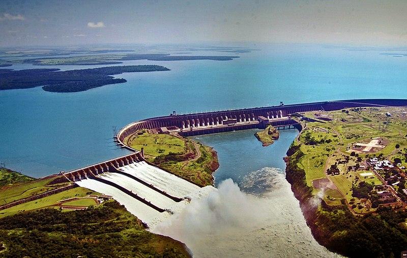 Figura 2. Usina Itaipu, em Foz do Iguaçu.
